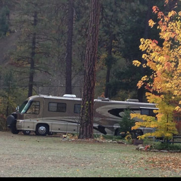 RV sites can accommodate 40-foot motor homes.